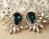 Emerald Statement Swarovski earrings, Statement earrings, Emerald chandelier earrings, Bridal Crystal earrings, Emerald Swarovski earrings.