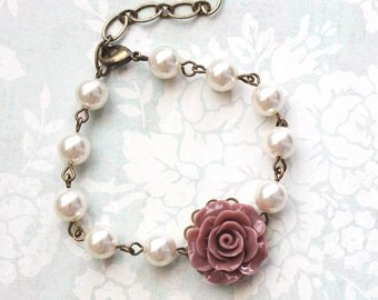 Dusty Rose Pink Bracelet Ivory Cream Pearl Bracelet Bridal Accessories Country Chic Wedding Vintage Style Bridesmaids Gift Beaded Adjustable