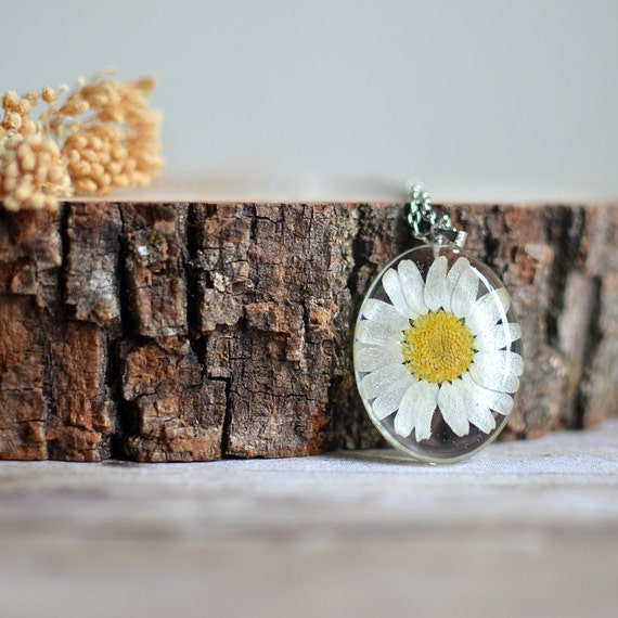 Daisy necklace, resin necklace pressed flower botanical jewelry flower necklace-terrarium necklace, floral necklace, wholesale