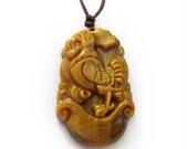 Carved Fortune Zodiac Rooster Talisman Pendant Tiger Eye Gem 34mm*21mm  T3012-10