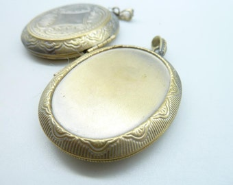 2pcs 40x53mm-30x40mm Antique Bronze Oval Brass Flower Locket Charm Pendant C4285