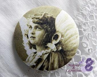 Fabric button  printed retro angel
