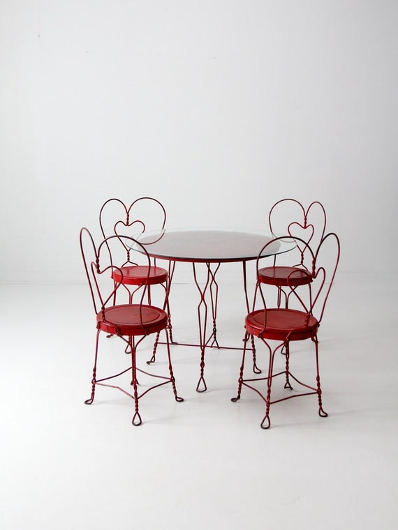 Vintage Ice Cream Parlor Table Set With 4 Chairs, Red Outdoor Furniture