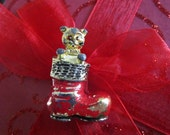Cute Vintage Cat In Stocking Christmas Pin--Retro