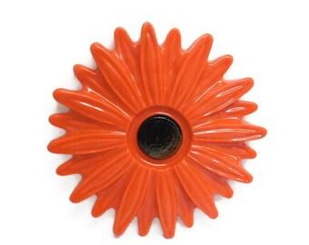 VTG Orange Resin Floral Trivet, Flower Power Kitchen Decor, Bright Orange Chrysanthemum, Wall Plaque, Retro Kitchen, Paperweight, Home Decor