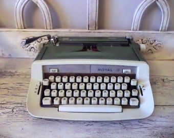 Retro Green and White Royal Typewriter - Mid Century Typewriter - Sage Green