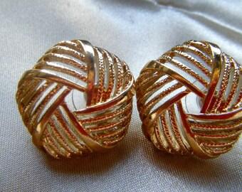 Round Open Weave Gold Tone Pierced Earrings, Pentagon Shaped Jewelry