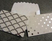 Small Silver and White Note Cards and Envelopes   Set of 12