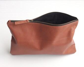POCHETTE Leather Clutch Bag. Tan Leather Bag. Leather Purse. Zipper Pouch. Zip Pouch. Clutch Purse. Bridesmaid Clutch. Bridesmaid Bag