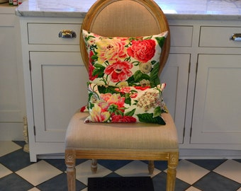 """Floral Cottage Chic 18"""" x 18"""" Pillow Cover"""