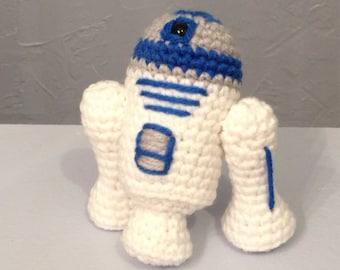 Crocheted R2-D2 - Robot - Amigurumi robot