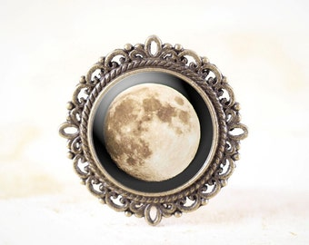 Full Moon Brooch - Original Moon Photography Pin, Astronomy Brooch, Space Brooch, Lunar Brooch, Astronomy Pin, Space Pin, Lunar Pin