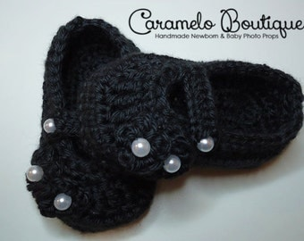 Crochet Black Mary Janes Shoes with Pearls-Crochet Black Baby Girl Shoes-Black baby Girl Shoes-Baby Girl Photo Props-Newborn Photo Props