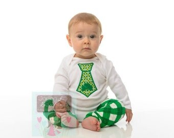 St. Patrick's Day Bodysuit -- Baby Boy Bodysuit -- long sleeve bodysuit with shamrock tie -- Darling Little Boys