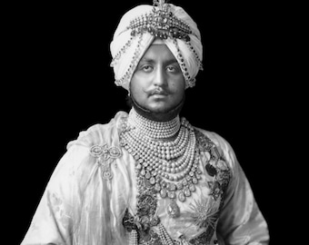 Maharaja Bhupinder Singh- Indian King Bhupinder circa 1900 with famous Cartier Necklace
