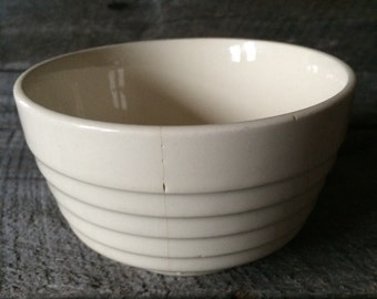 Small Vintage Pottery Bowl