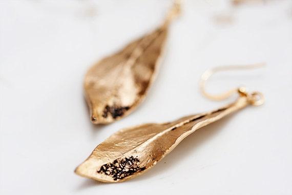 Autumn Leaf Earrings Antiqued Gold Leaf Simple Earrings Fall Leaves Pendant Dangle Leaf Jewelry - E099