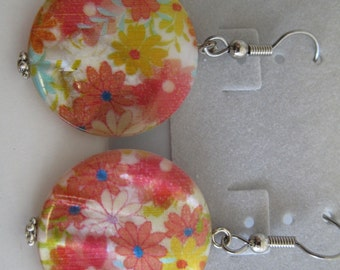 Orange, pink, yellow, & aqua floral printed shell necklace and earrings set