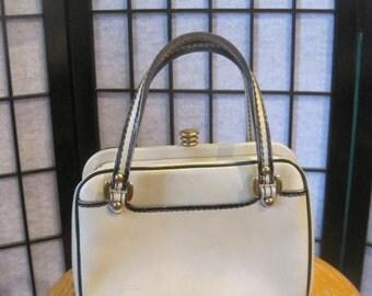 Vintage 1950s 1960s Handbag Peck & Peck Beige Black Purse Leather Bag Goldtone Metal Spring Bag Sand