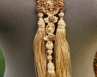 historique necklace
