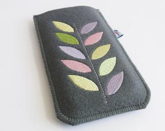 Smartphonecase, Smartphonebag, wool felt, embroidery