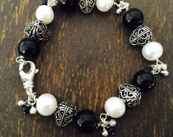 Black & White Bracelet - Pearl Gemstone Jewelry - Onyx Beaded Jewelery - Chunky - Sterling Silver - Fashion
