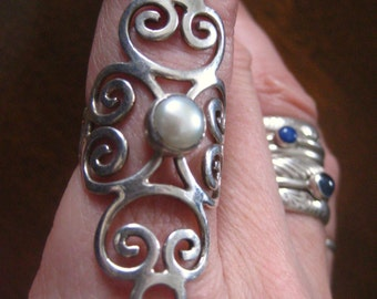 Pearl Sorceress Ring