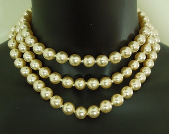 Luxe 1980s 49 Inch Baroque Glass Faux Pearls Necklace Sautoir Runway Couture Bridal Wedding