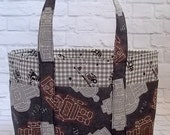 Adorable Small Robot Tote with Pockets