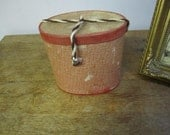 Lovely Child's Hat Box. Hat box. Luggage. Millinery