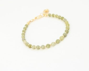 Green jade and gold bracelet, friendship bracelet, gemstone, layering, green, elegant, seed beads, winter trends, gift for her