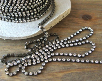 18PP Crystal Rhinestone Chain Oxidized Brass Yardage 2.5mm Stones Preciosa New (Yard)