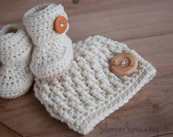 Boy Hat and Boot Set, Cream with Natural Wood Buttons, Crochet, Photo Prop, MADE TO ORDER, (Newborn thru One Year Sizing), Boy, Girl
