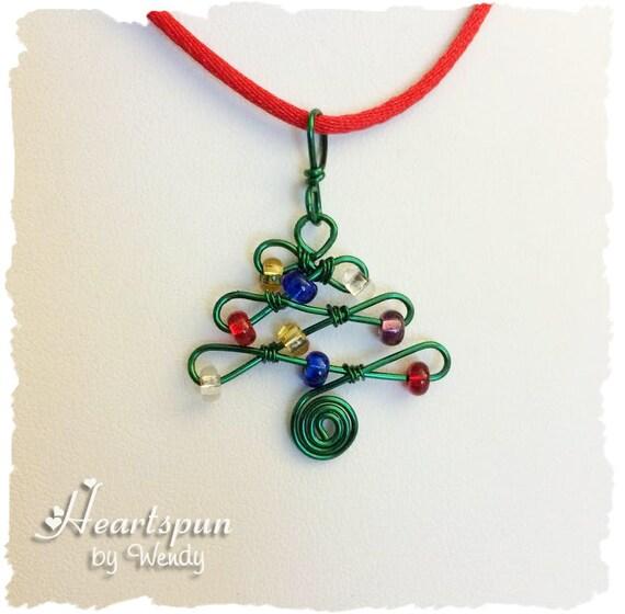 kleine perlen draht weihnachtsbaum anh nger mit silber. Black Bedroom Furniture Sets. Home Design Ideas