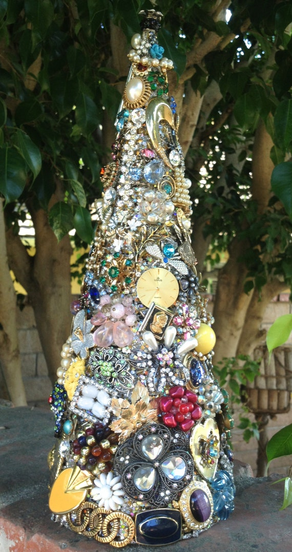 Items Similar To Christmas Tree Jeweled With Vintage