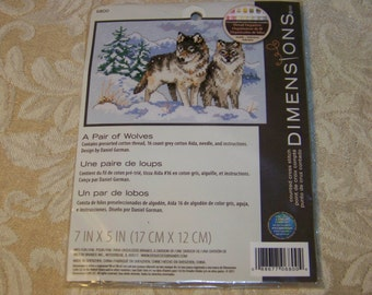 """Dimensions """"A Pair of Wolves""""  Kit #6800"""