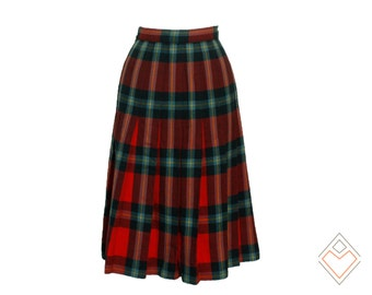 1960s red and spruce classic plaid pleated skirt with touches of light blue and yellow // Holiday Flare skirt // 32 inch waist