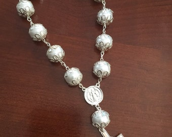 Rear View Mirror rosary/ white rosary religious gift/ Car Ornament Accessories/ wedding favor/ baptism favor, communion favor, anniversary