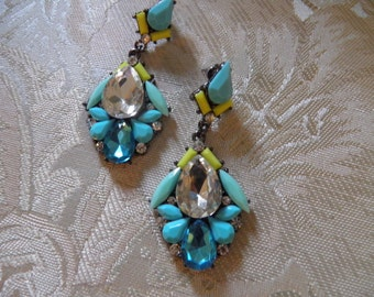 Aqua Bue Rhineston Dangle Pierced Earrings, Yummy.