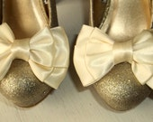 Wedding Shoe Clips, MANY COLORS AVAILABLE, Satin Bow Shoe Clips, Bridal Shoe Clips, SHoe Clips, Wedding Accessories, Clips for Shoes