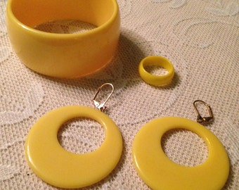 Banana Yellow Wide Bangle - Lucite Set
