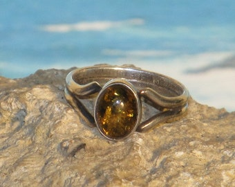 Sterling silver amber ladies / womens ring