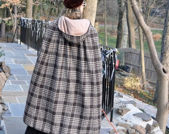 Checked Brown Wool Hooded Cloak/Vintage 1960s 1970s/Long Brown and White Cape With Hood/Size Small to Medium