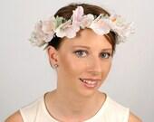 Bridal Head Wreath, Boho Wedding Headpiece, White Lily Flower Crown, Floral Head Wreath, Flower Crown, Wedding Hair Piece, Hair Garland Halo