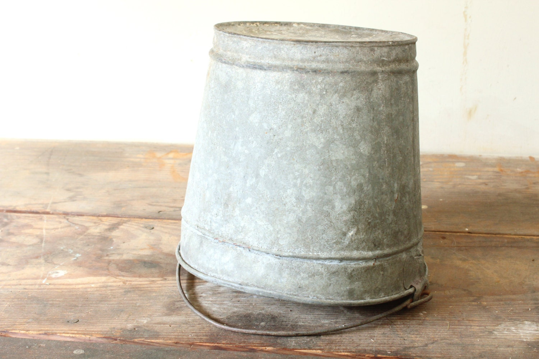 Rustic galvanized bucket farmhouse planter garden container for Galvanized well bucket