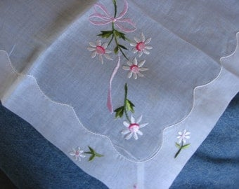 Embroidered Daisies Handkerchief Snow White Sheer Cotton Organdy Unused with Label a Lovely Vintage Hankie Purse Accessory