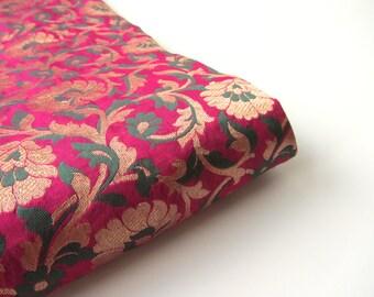 Fuchsia pink green gold flowers silk brocade from India fabric nr 506 fat quarter