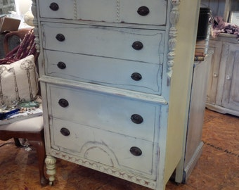 Vintage Painted Cottage Dresser
