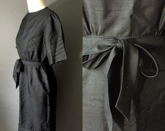 1950s 1960s black sleek silk wiggle dress / 50s 60s coacktail party dress / 50s little black dress / lbd / M