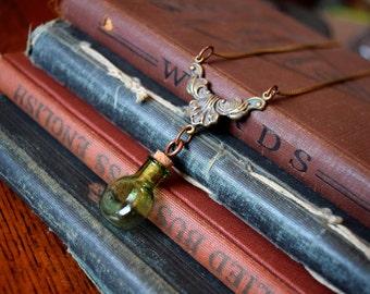 Steampunk Jewelry Steampunk Green Glass Vial Necklace with Filigree Filigree Jewelry Steampunk Necklace Art Deco Jewelry Alice in Wonderland